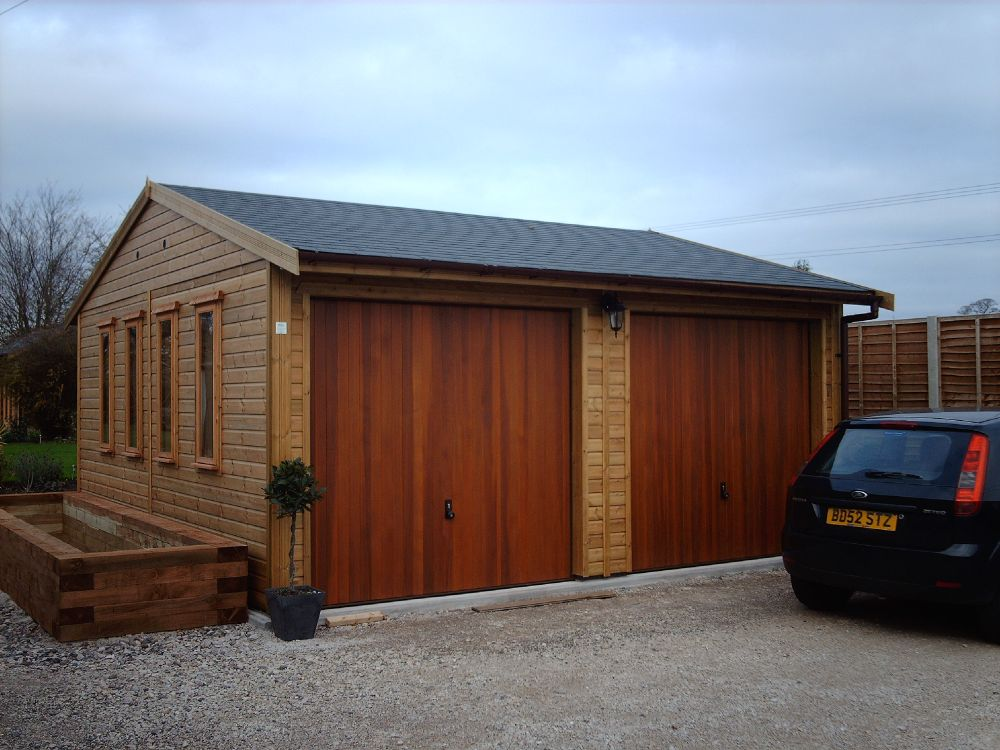 Warwick garages garage building garden office stables for Build office in garage